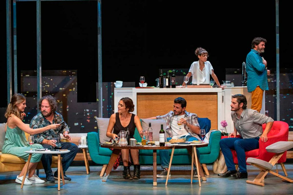 Daniel Guzman adapta la película Perfectos Desconocidos para su representación en los teatros