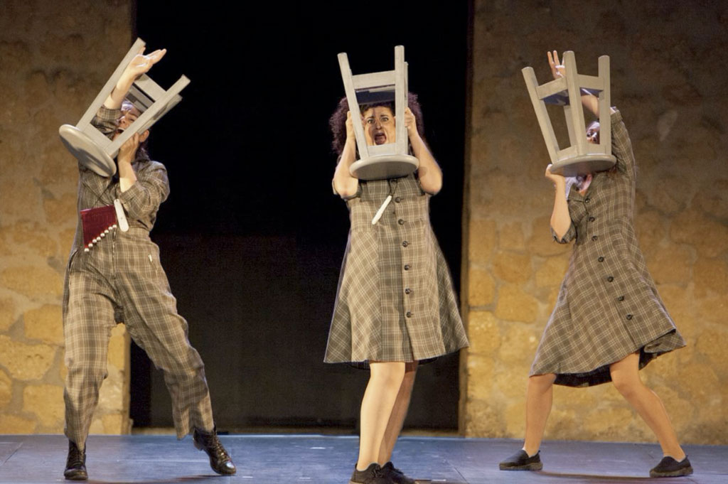 El Viento es Salvaje, la compañía las niñas de Cádiz traen su espectáculo de humor a Moguer