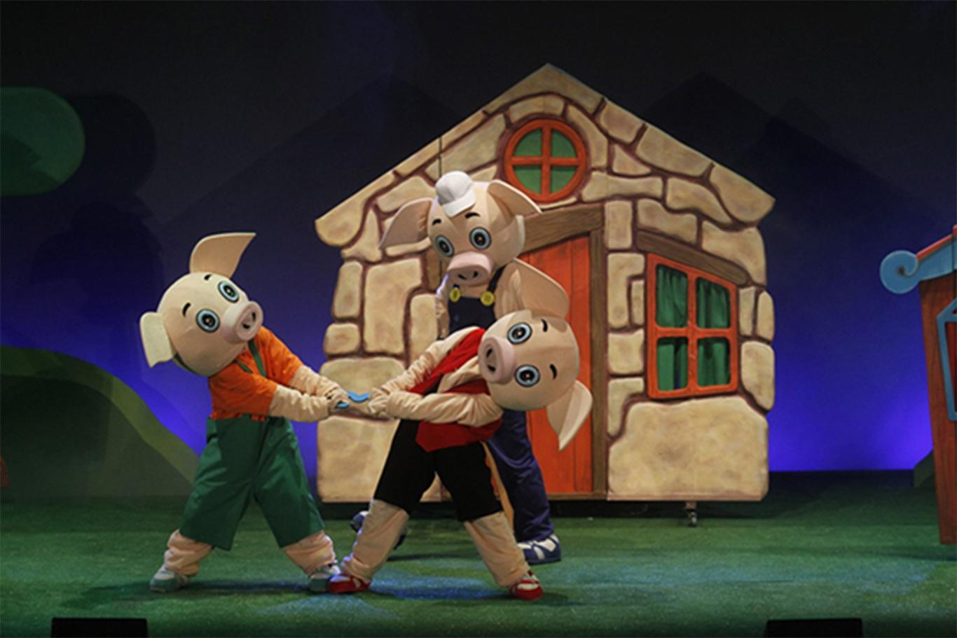 Musical Los Tres Cerditos en Huelva para público infantil