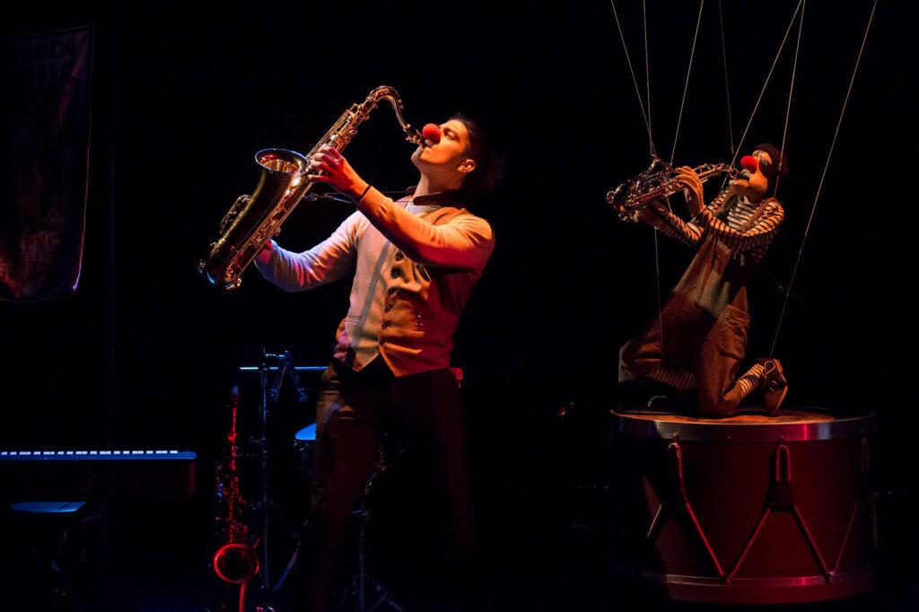 Totolín, entredos títeres etcétera en el Teatro del Mar de Punta Umbría