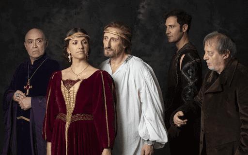 Eduardo II, Ojos de Niebla recrea la vida del rey Eduardo II de Inglaterra con José Luis Gil como el monarca inglés este diciembre en la Casa Colón de Huelva