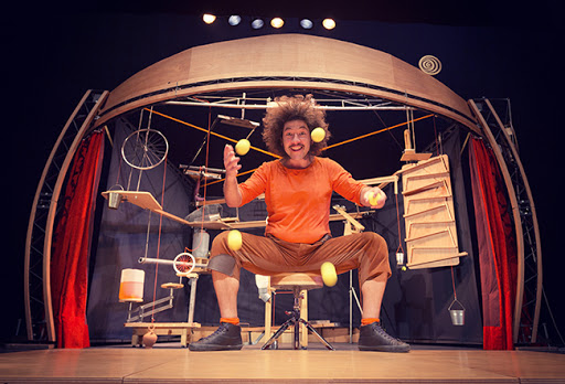 Mobil, La Guasa Circo-Teatro en Huelva Anfitrión Cocheras del Puerto Huelva niños 2021
