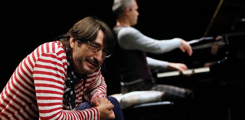 A vueltas con Lora, recital poético con Carmelo Gómez, teatro en huelva