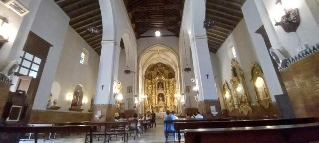 interior parroquia san pedro