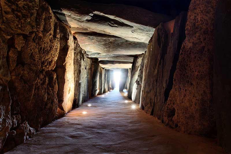 visitar el dolmen de soto trigueros huelva