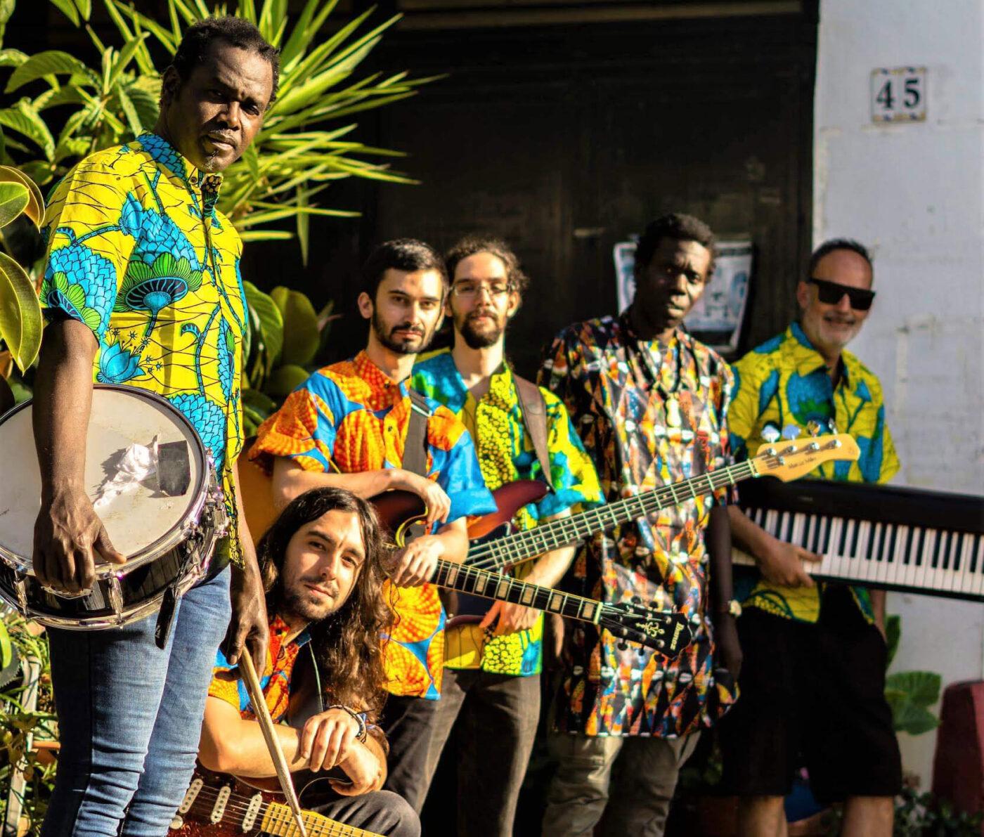 Mama África Revolución vuelve a actuar en Punta Umbria en Chiringuito El Loro